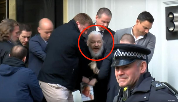 Julian Assange foto Londres