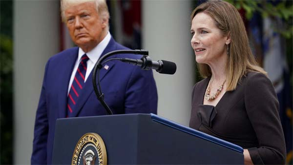 Trump y jueza conservadora Amy Coney Barrett